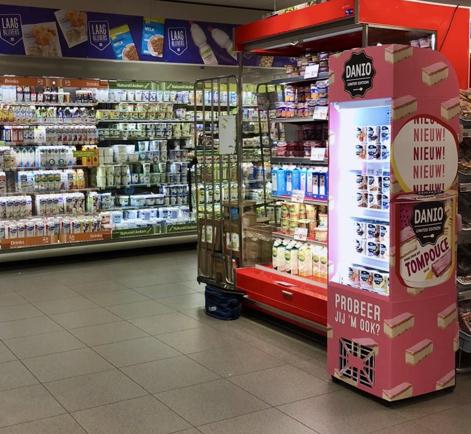 Danio danone Gekoelde display
